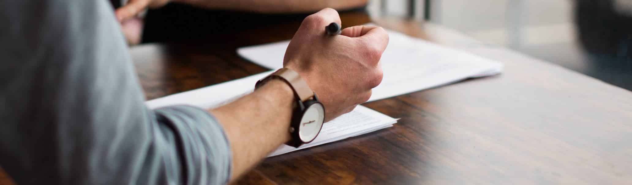 Sign real estate agent contract